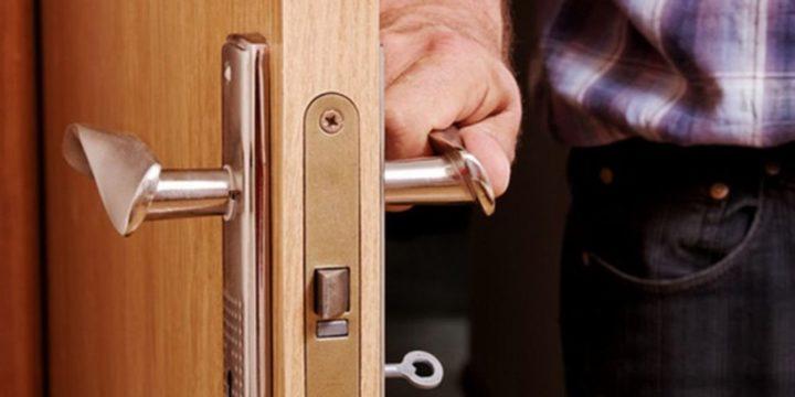 Как открыть замок двери без повреждений?